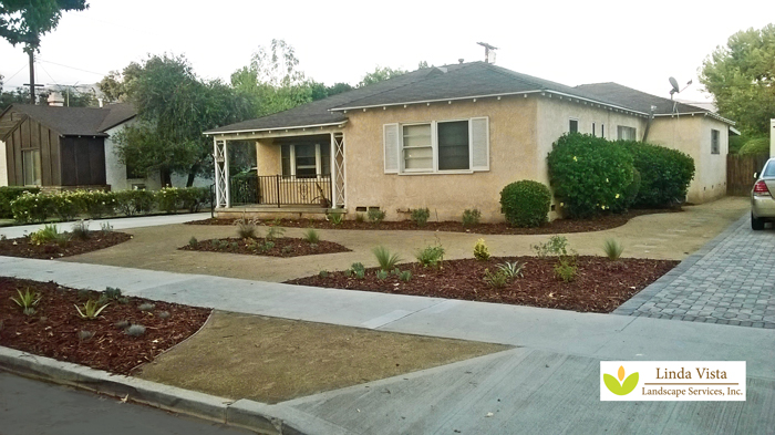 Easy Front Yard Maintenance In Burbank Linda Vista